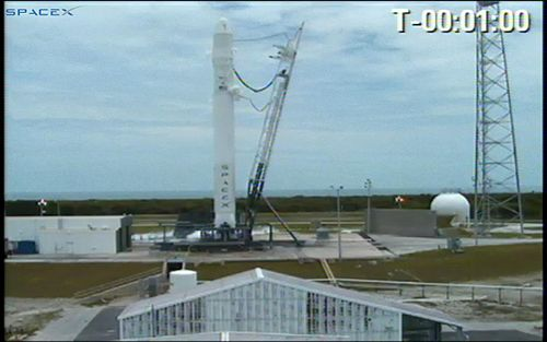 Falcon 9 1 minute prior to the first, failed, launch attempt