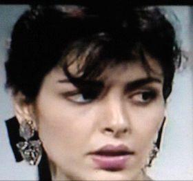 الفنانة العراقية المعتزلة (الممثلة وعارضة الازياء) أمل سنان في الموسوعة الحرة (ويكيبيديا)  Amal_Sinan