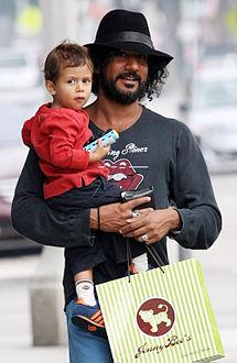 Naveen Andrews Wife Naveen andrews wife 2013