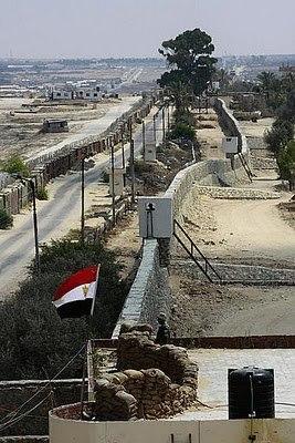 Egyptian steel wall.jpg&filetimestamp=20160403132539&