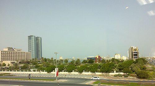 ������� ������ 500px-شارع_بن_ظاهر_-_منطقة_النخيل.jpg