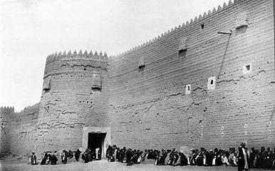 الدوله السعوديه الاولى والثانيه والثالثه 386px-Barzan_palace