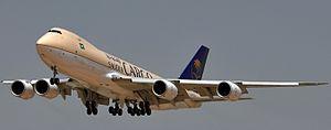 بوينغ 747 8