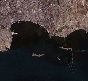 Bay of Baku, Azerbaijan, satellite image, LandSat-5, 2010-09-06.jpg
