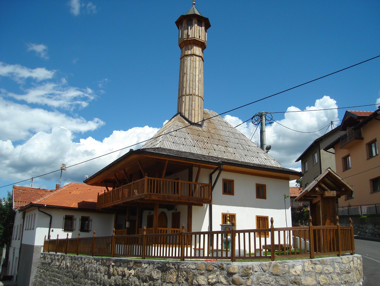Slikovni rezultat za mejdanska džamija tuzla