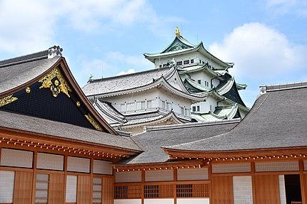 名古屋城の天守と本丸御殿