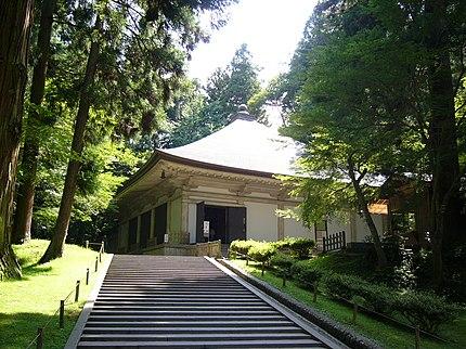 中尊寺金色堂の覆堂 (岩手県平泉町)