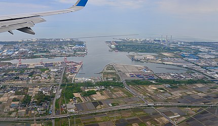 新潟東港全景