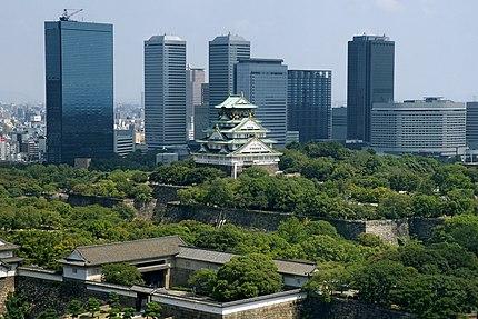 大坂城と大阪ビジネスパーク