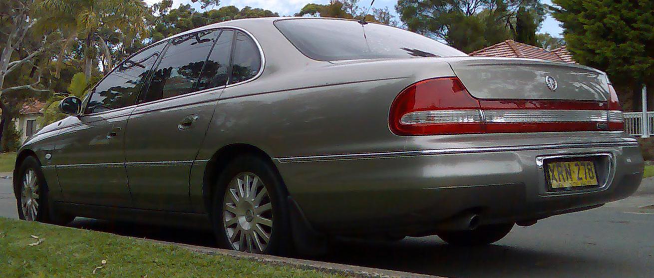 file 2001 2003 holden wh ii caprice sedan 02 jpg wikimedia commons rh commons wikimedia org 2002 Caprice Cop Car Price of 2001 Impala