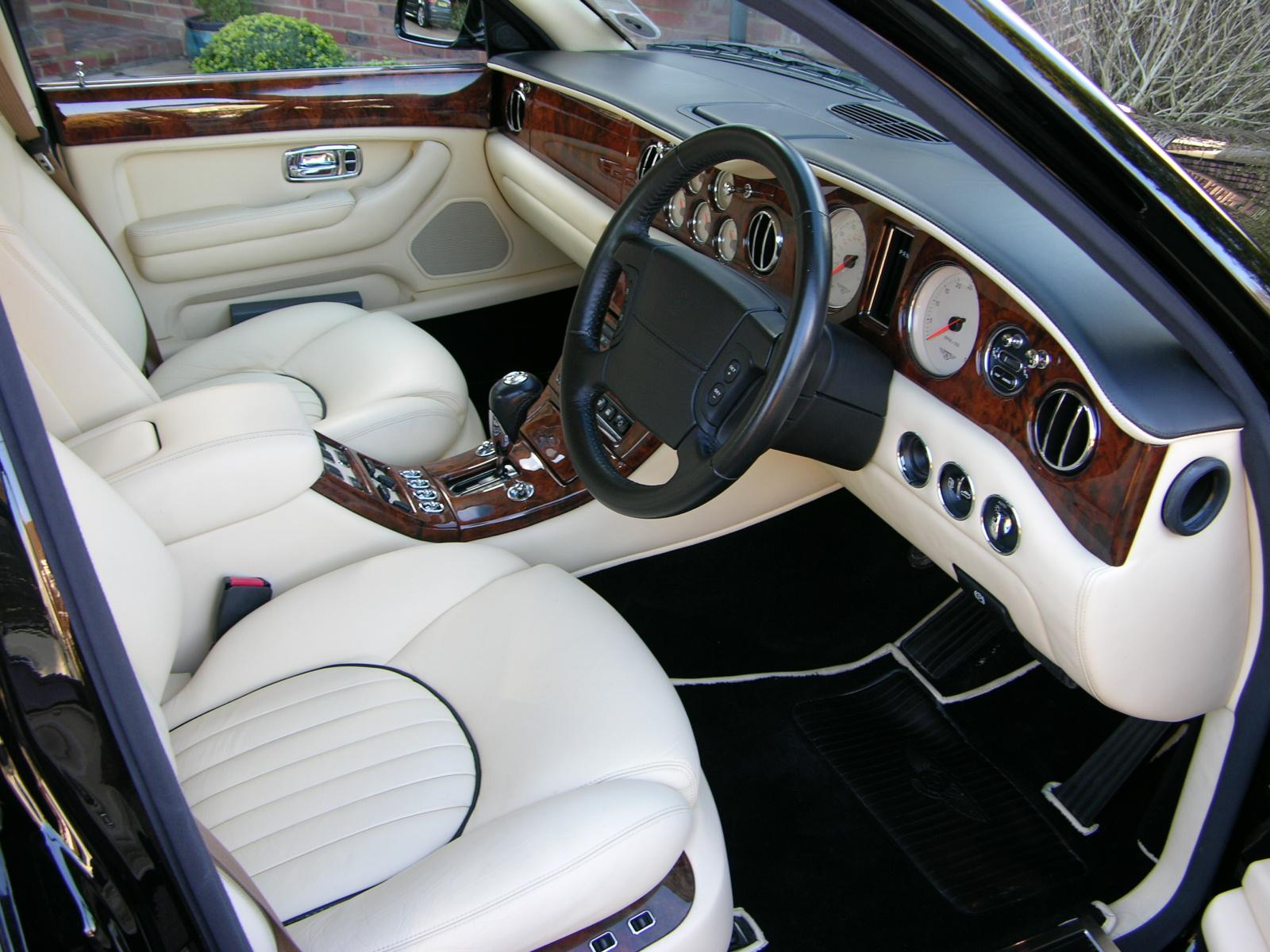 File2001 bentley arnage red label flickr the car spy 18g file2001 bentley arnage red label flickr the car spy 18 vanachro Choice Image