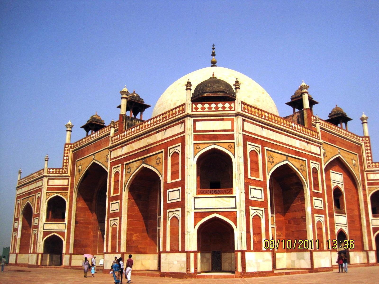 File Akbar S Tomb 1 Jpg Wikimedia Commons