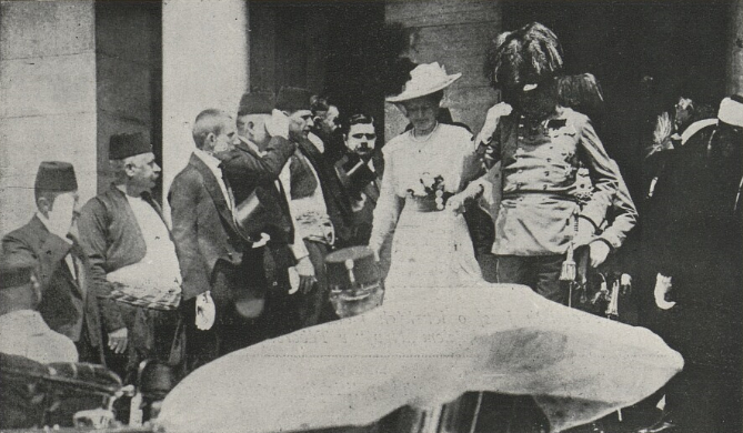 Ficheiro:Archduke Franz with his wife.jpg