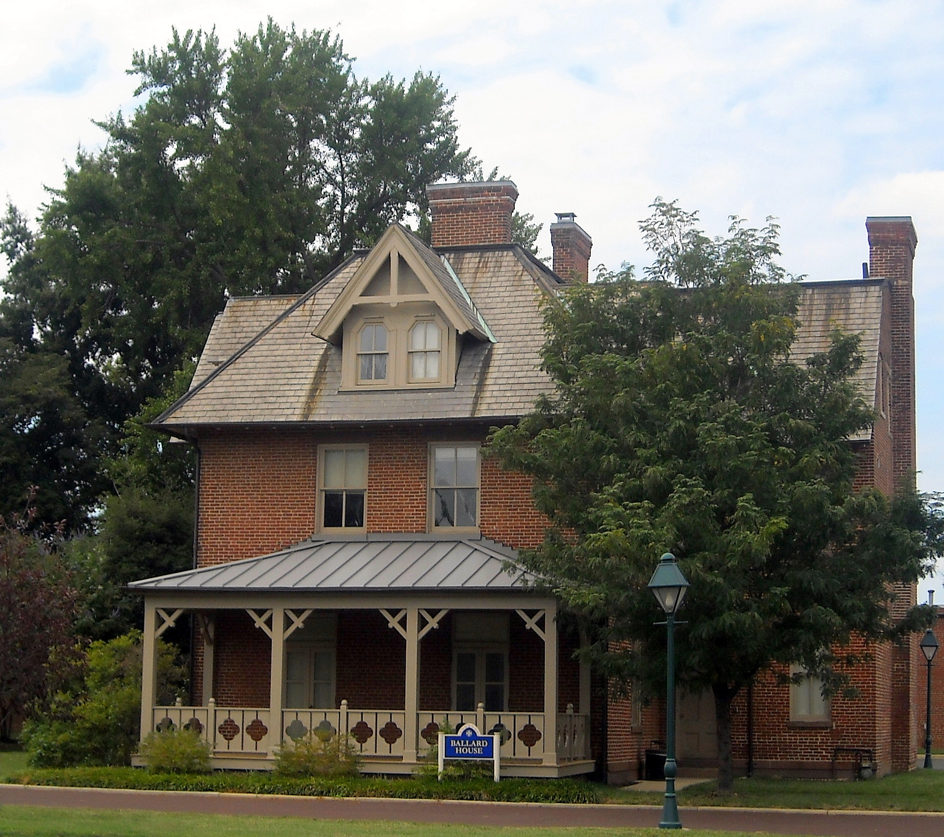 File ballard house gallaudet wikimedia commons - Images of home ...
