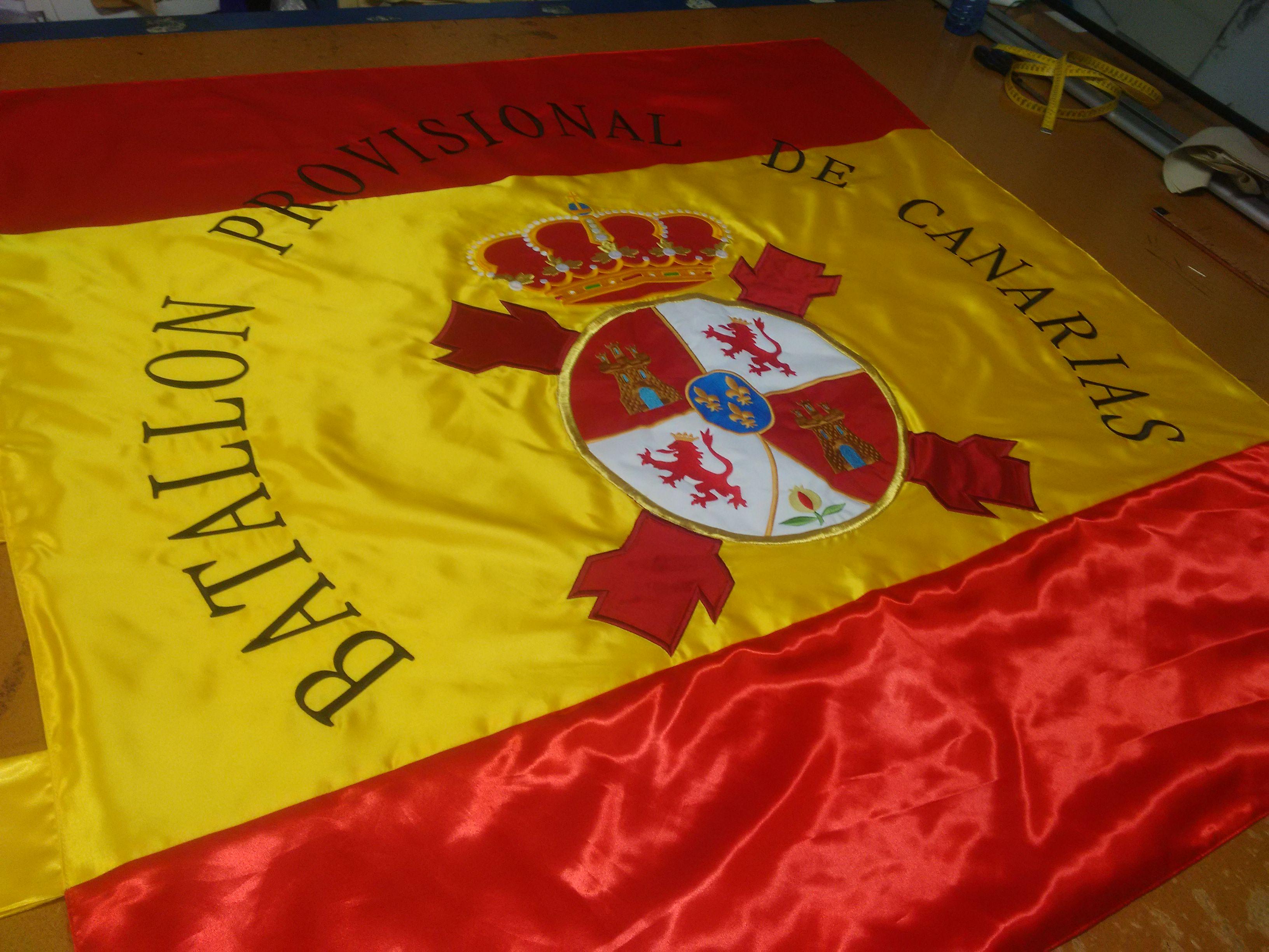 Bandera Bordada. ( Réplica de bandera del Batallón Provisional de Canarias ).jpg