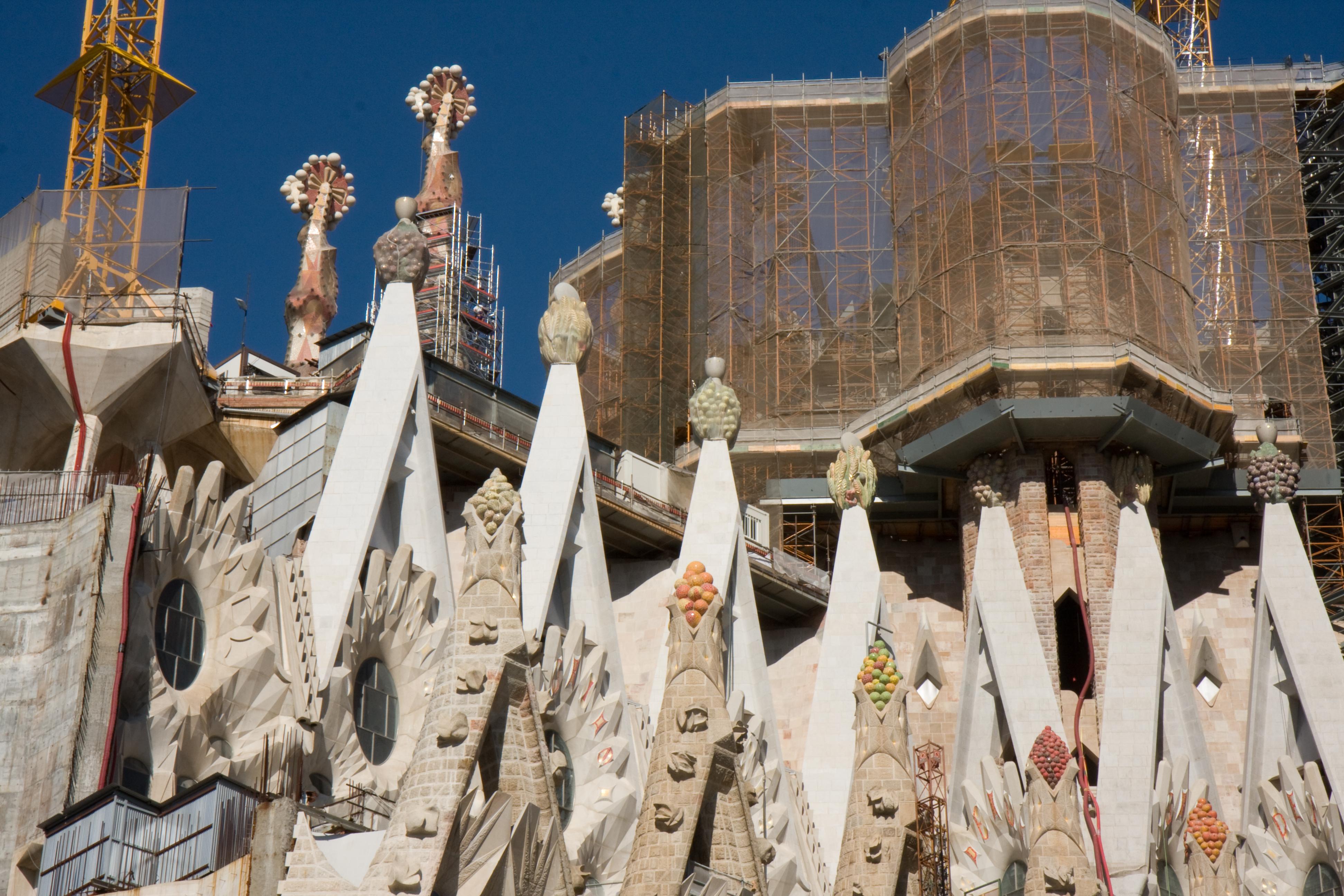 File barcelona spain basilica and expiatory church of for La sagrada familia spain