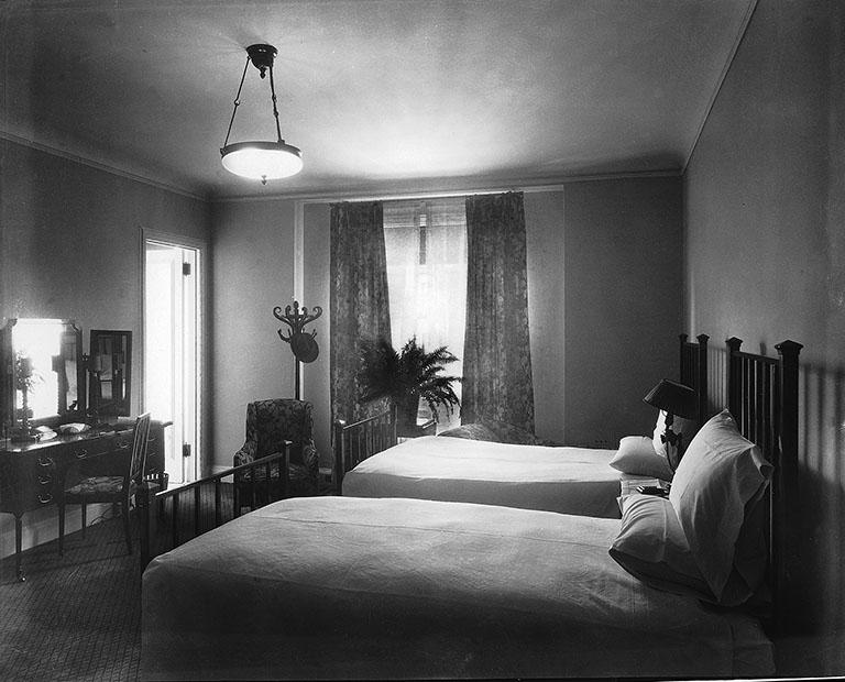 Bedroom Hotel Montreal