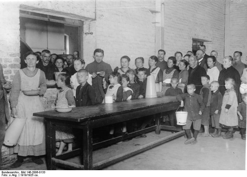File:Bundesarchiv Bild 146-2006-0133, Heimkehrerlager für Flüchtlinge, Zossen.jpg