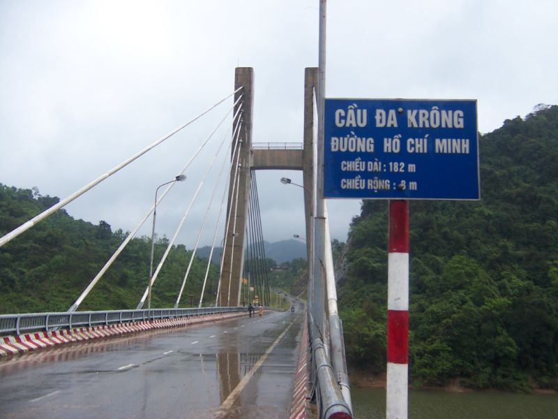 Tập tin:Cầu Đa Krông.jpg