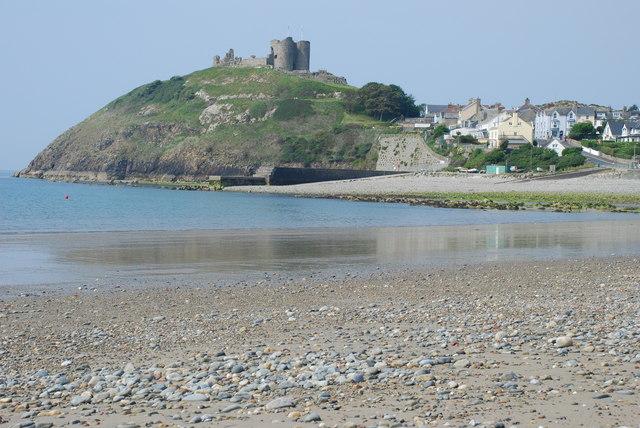 Criccieth-Low tide on Criccieth beach