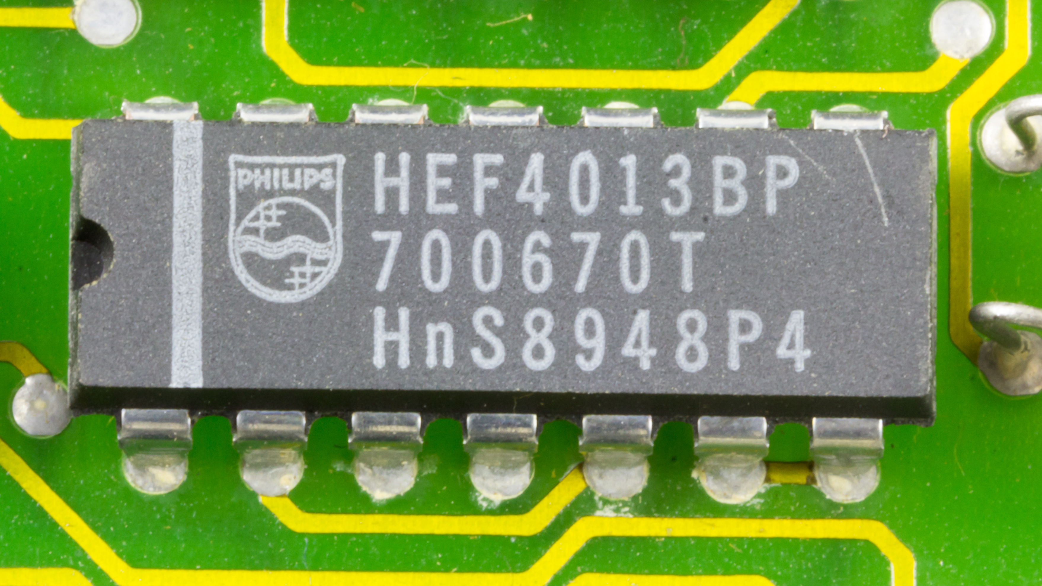 Filedov 1x Philips Hef4013bp On Printed Circuit Board 9790 Remove Integrated Circuits And Components From Boards