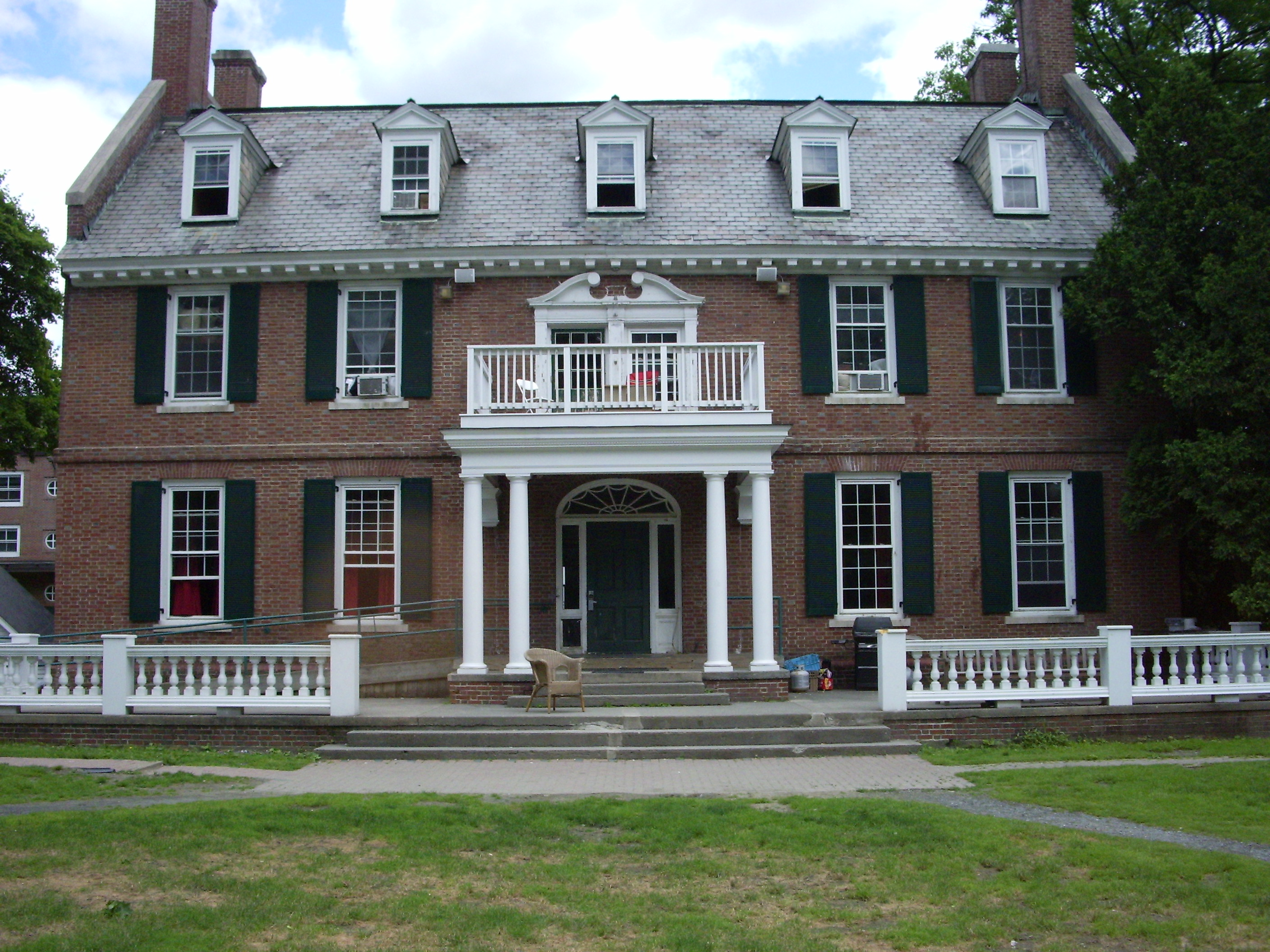 about dartmouth O, tell us the truth about dartmouth fraternity life andrew lohse, a former  member of the now infamous dartmouth fraternity sigma alpha.
