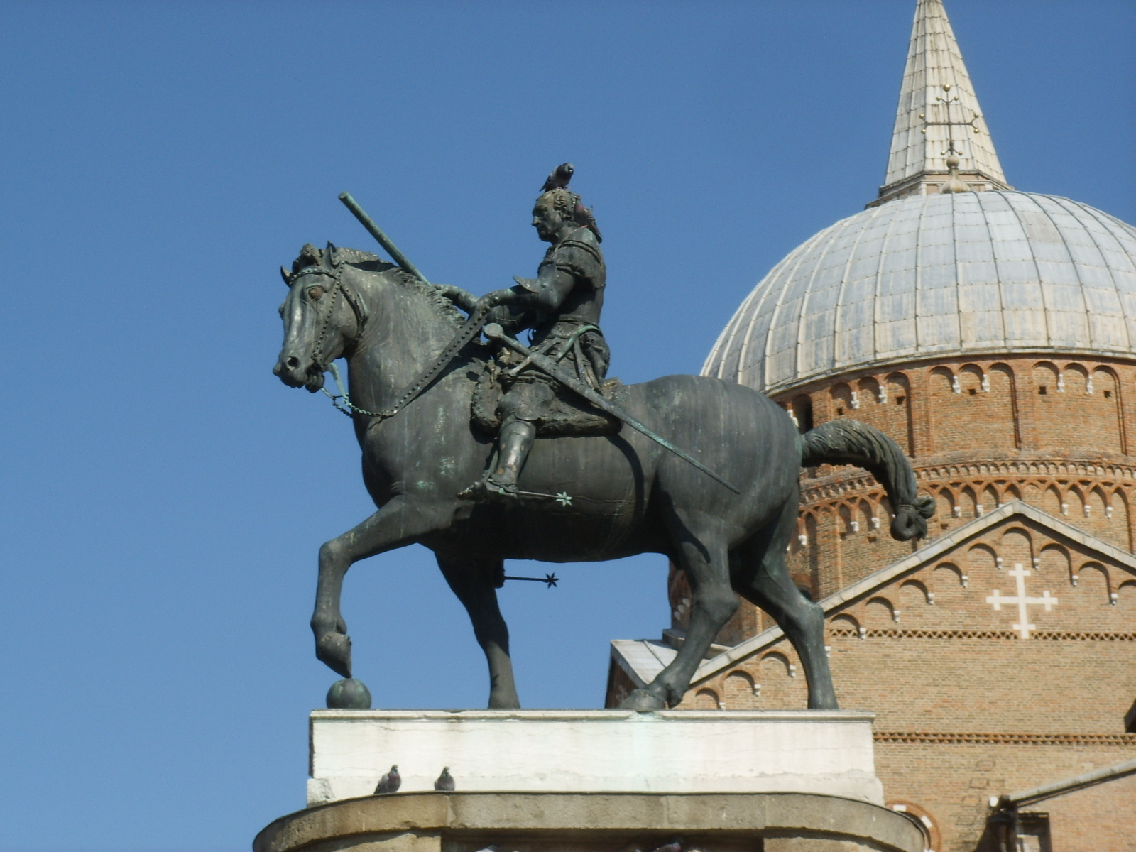 File:Donatello, Monumento equestre al Gattamelata 04.JPG ...