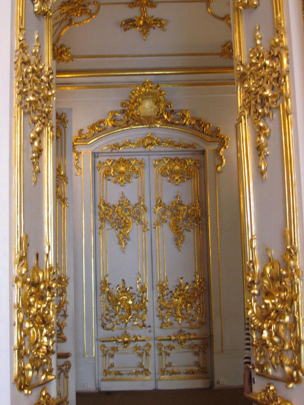 File Elaborate Doors In Armorial Hall Jpg Wikimedia Commons