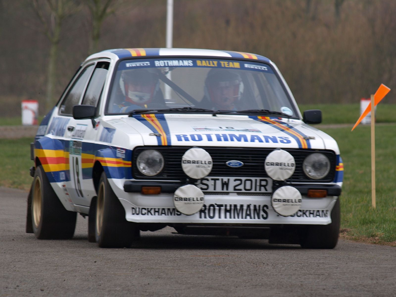Ford_Escort_RS1800_-_Race_Retro_2008_05.jpg