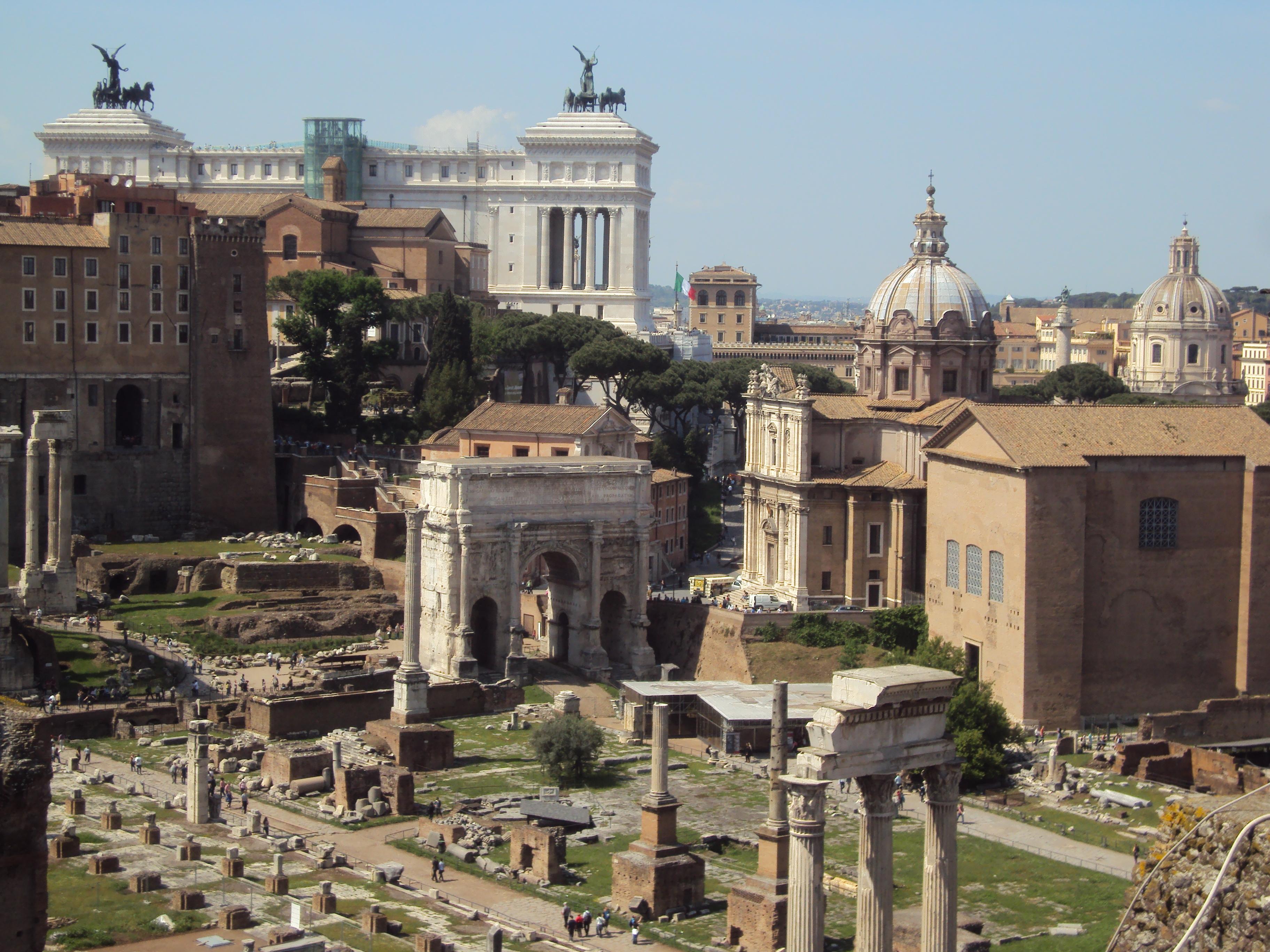 Il Vittoriano e il Foro Romano