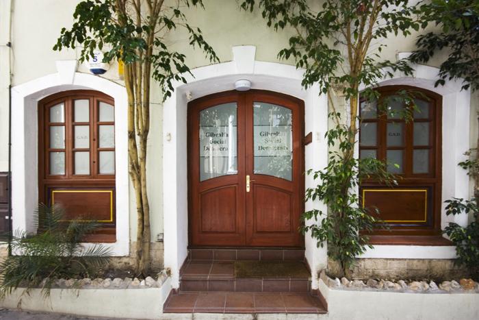 drzwi i onka derwniane - stolarka okienna i dzwiowa