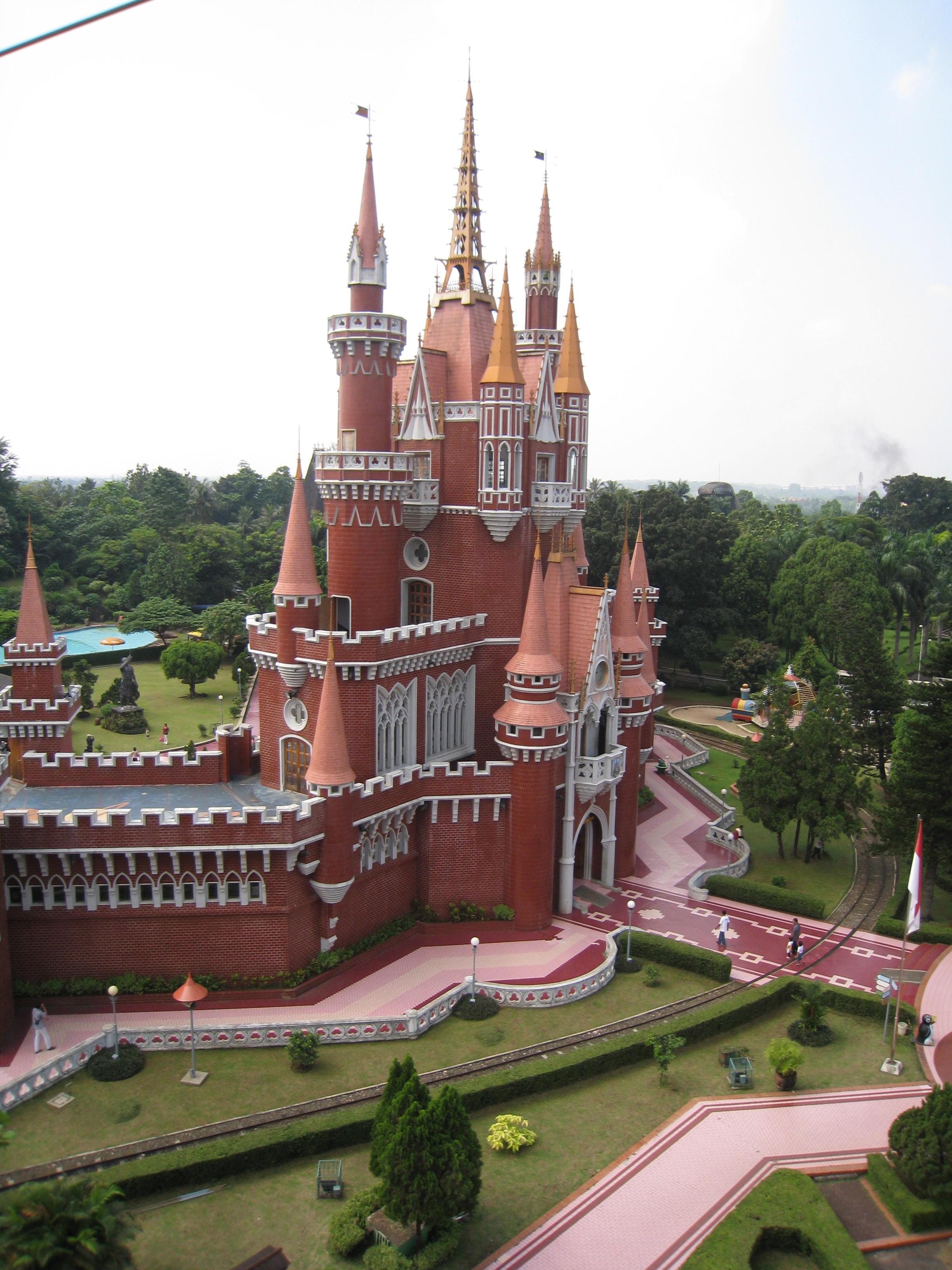 file istana anak anak indonesia taman mini jakarta jpg