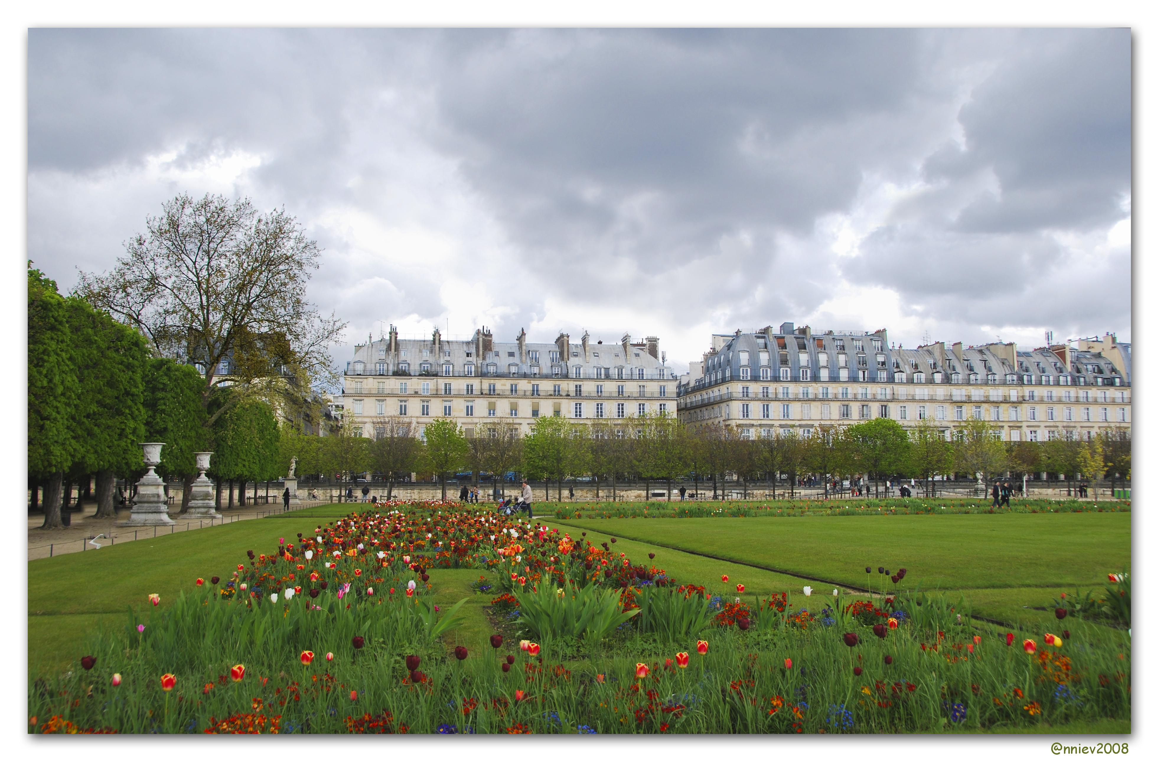 File:Jardin des Tuileries.jpg - Wikimedia Commons