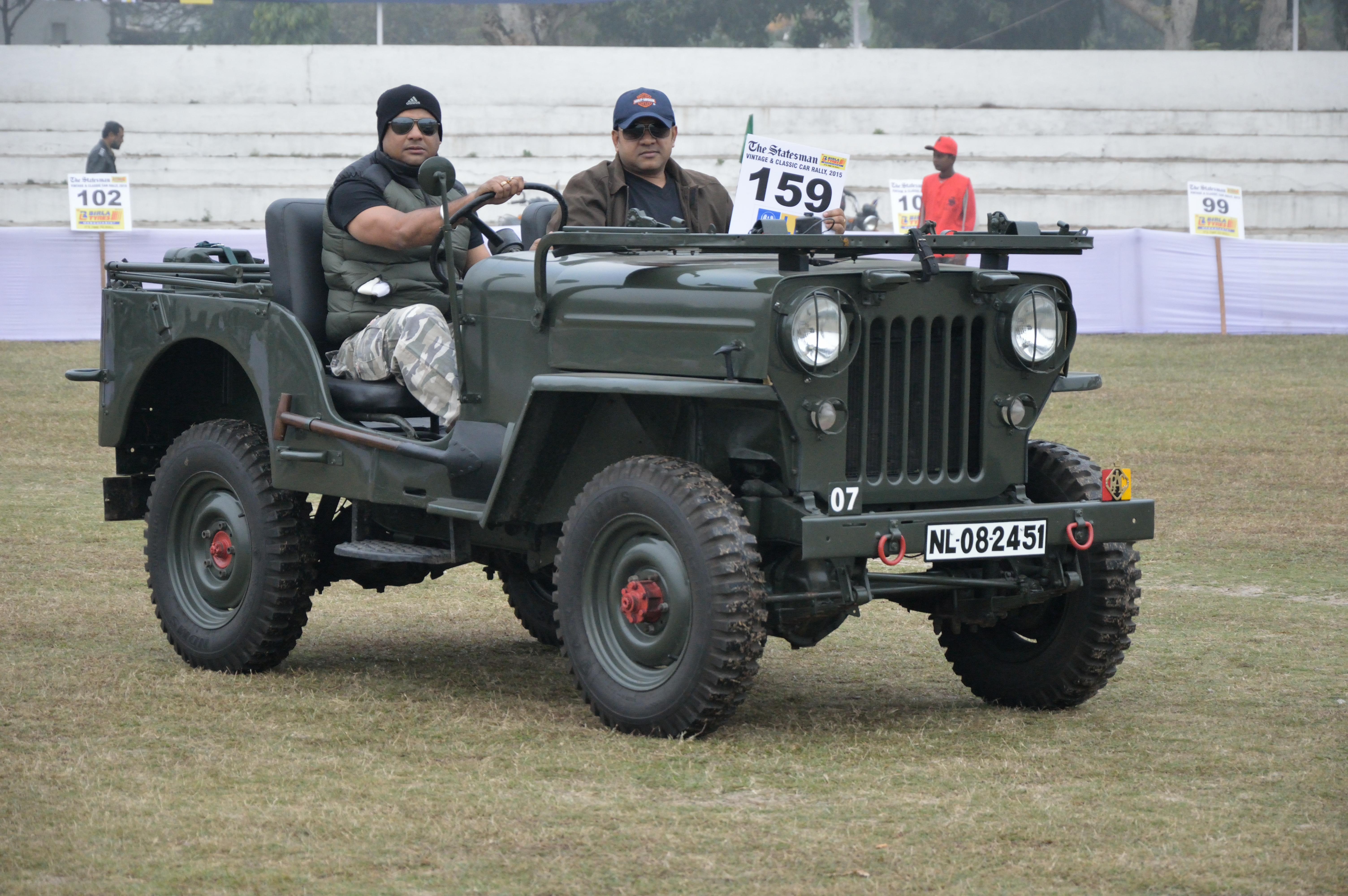 File:Jeep - 1975 - 1300 cc - 4 cyl - NL 08 2451 -
