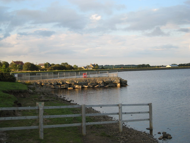 Jetty at Scaling Dam Reservoir - geograph.org.uk - 1612797