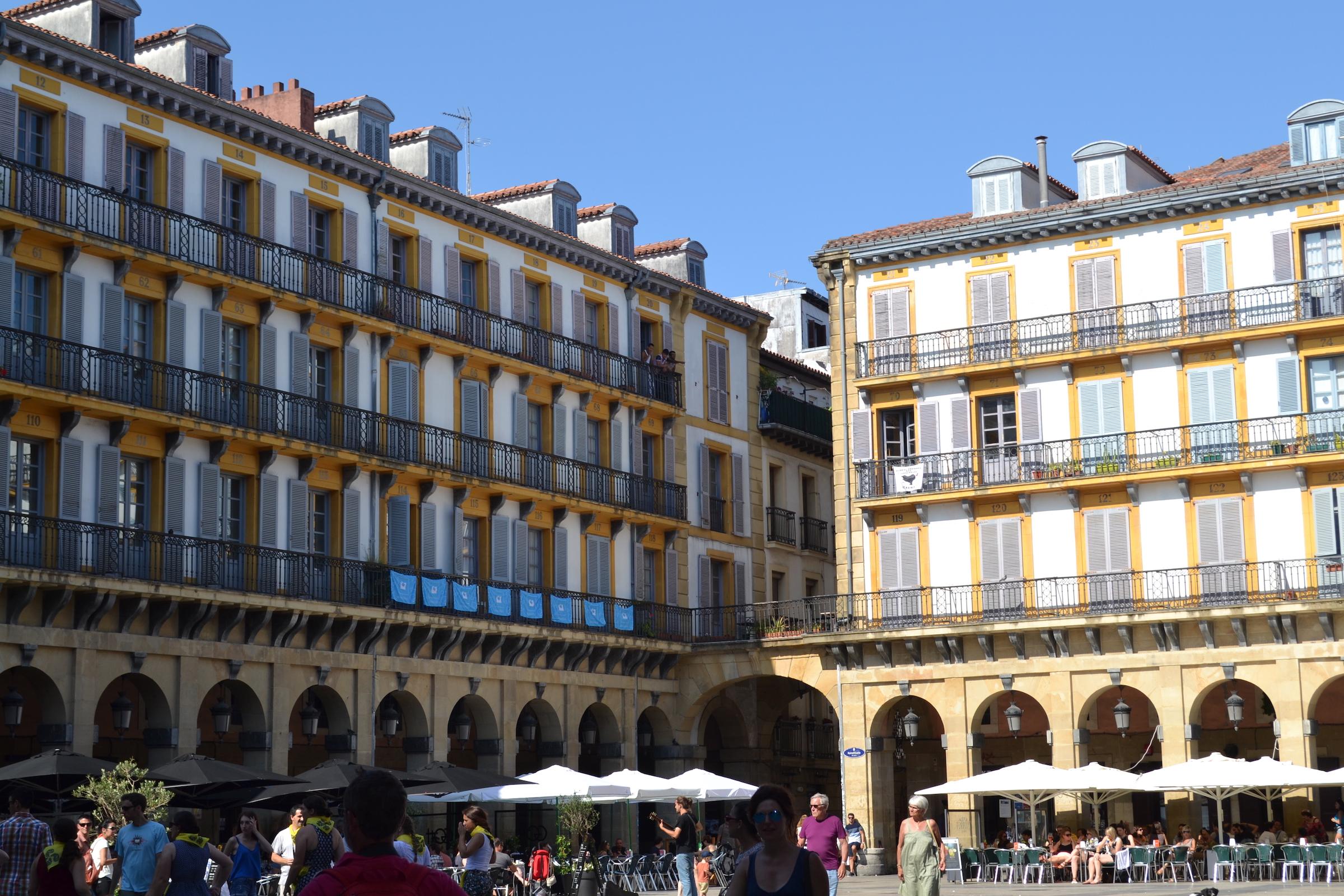 Konstituzio plaza - Donostia-San Sebastian (04).jpg