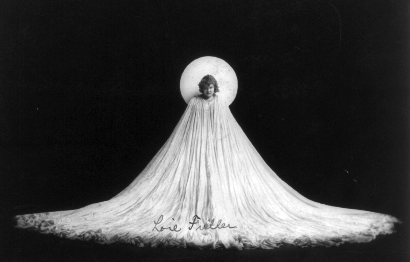 Fileloie fuller in art nouveau pose cph 3b10785 jpg