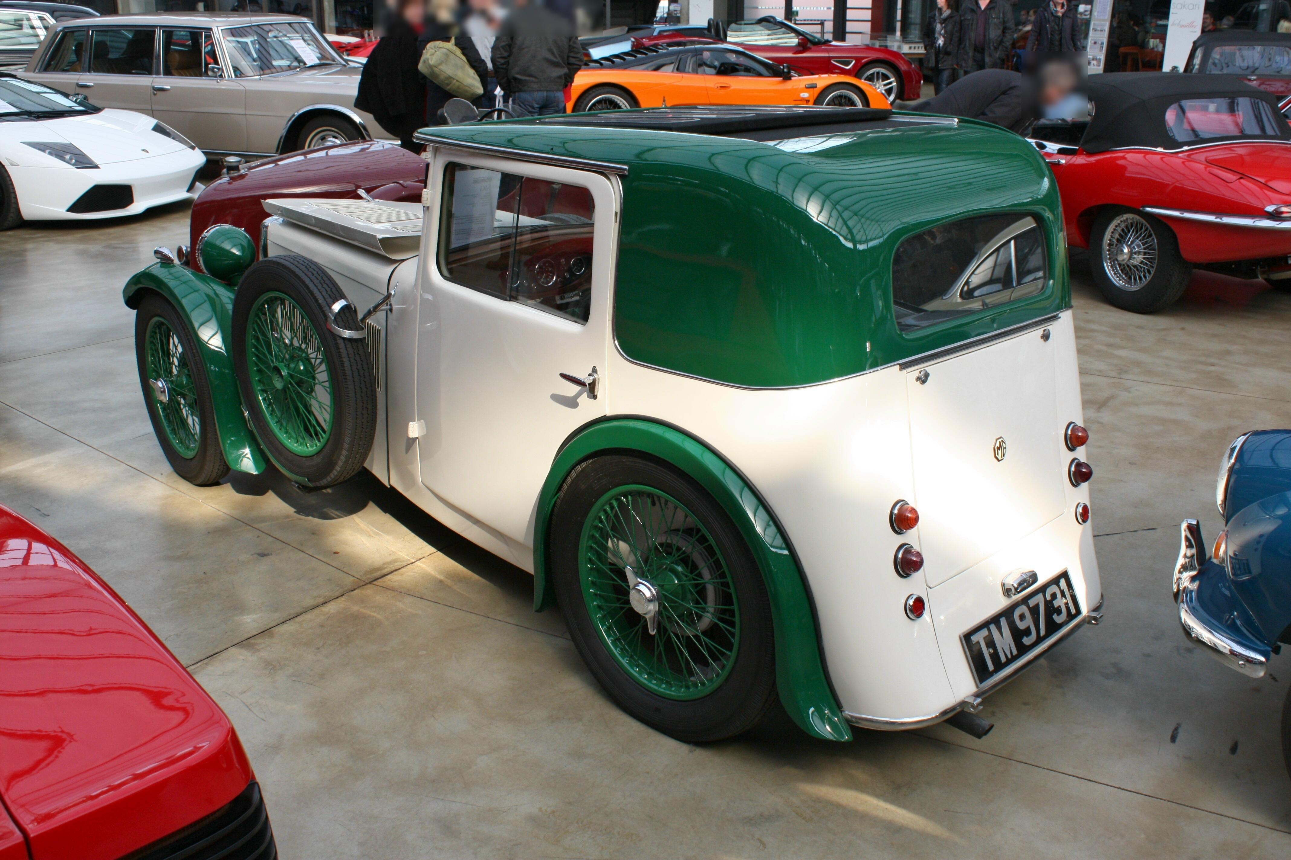 File:MG F1 Magna Salonette 000 000 1931-1933 1933 backleft 2013-03