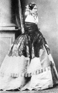 María Manuela Kirkpatrick.jpg