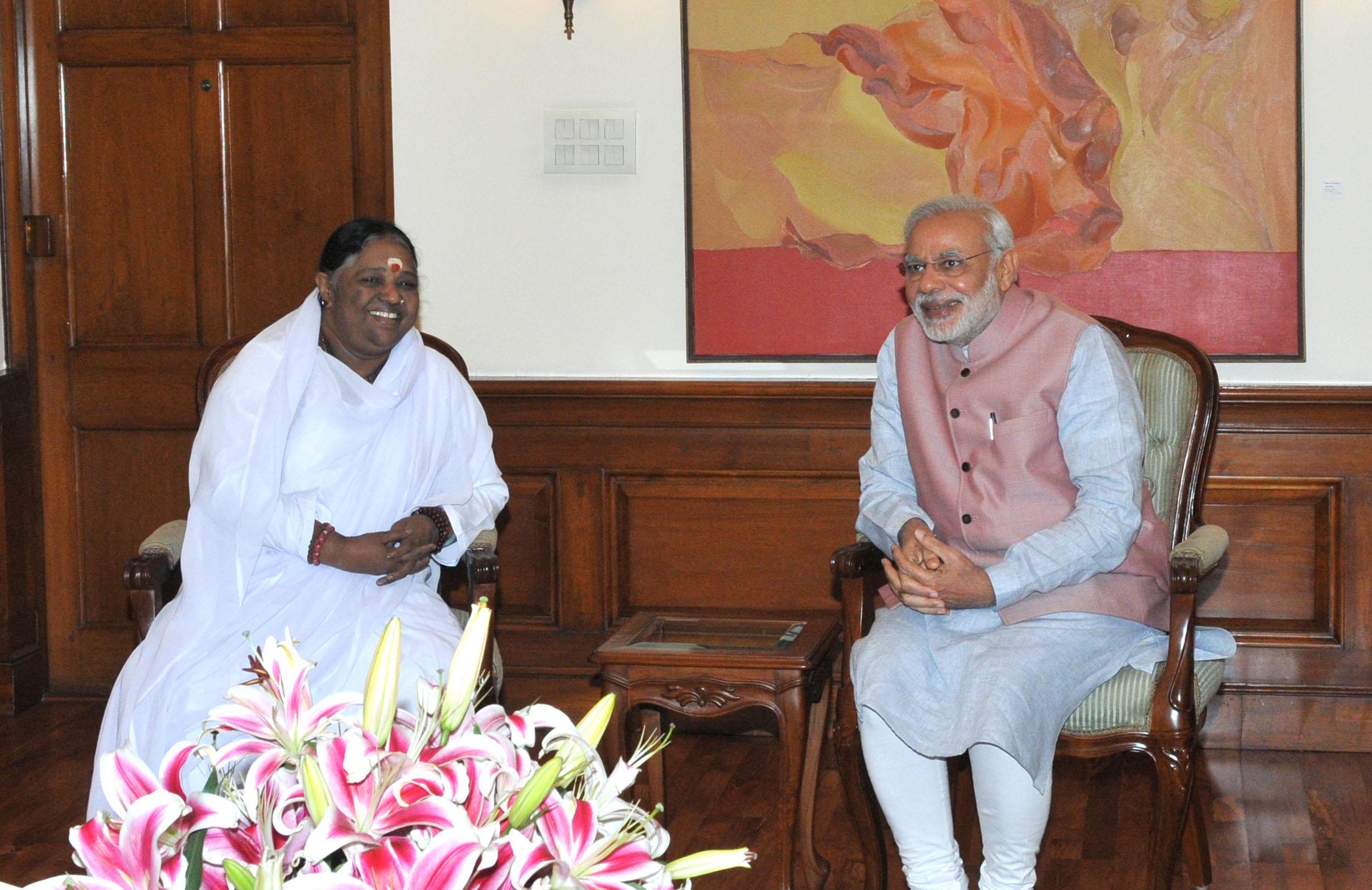 Mata Amritanandamayi Devi calls on Prime Minister Narendra Modi