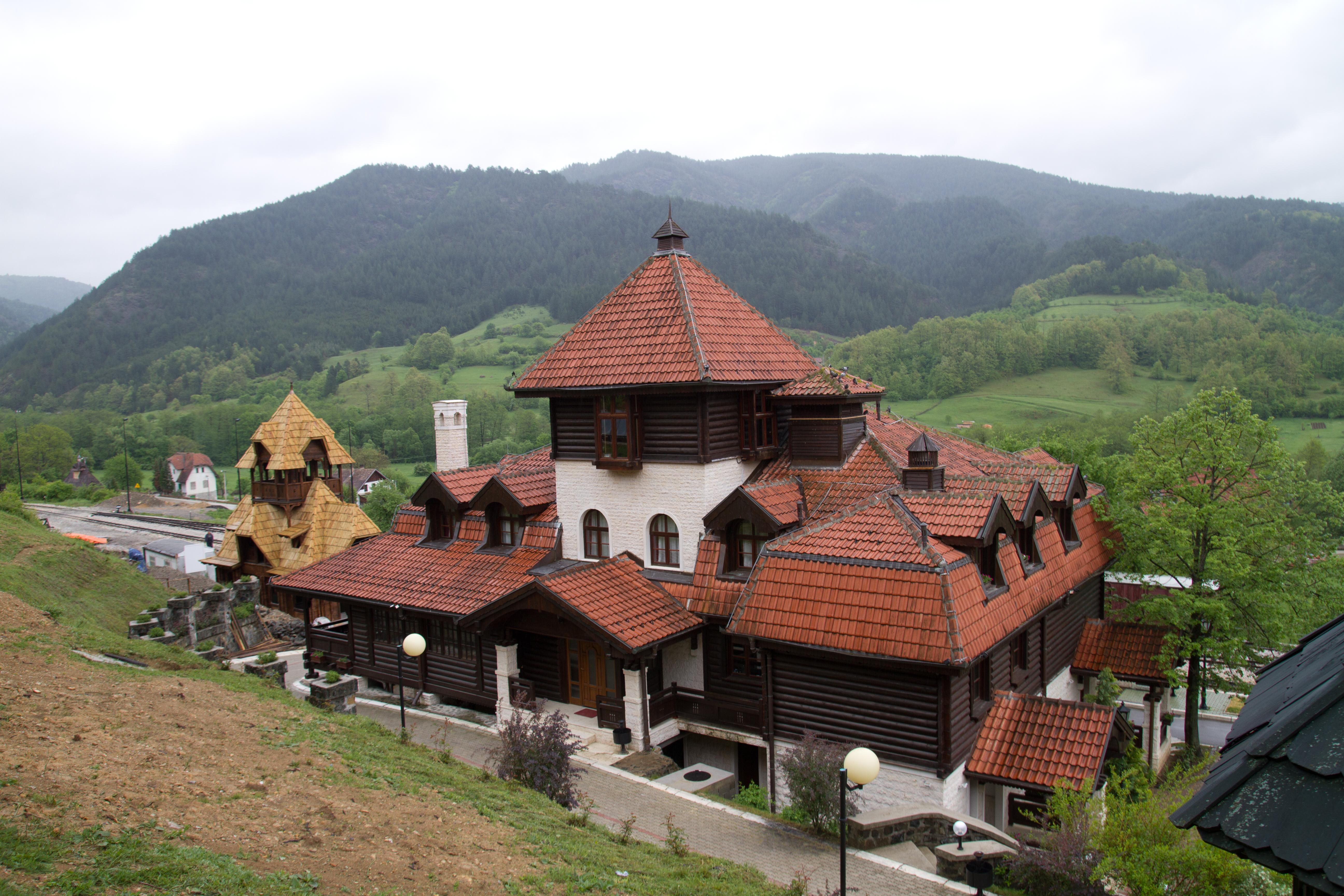 File:Mokra Gora, Uzice, Serbia 2012.jpg - Wikimedia Commons