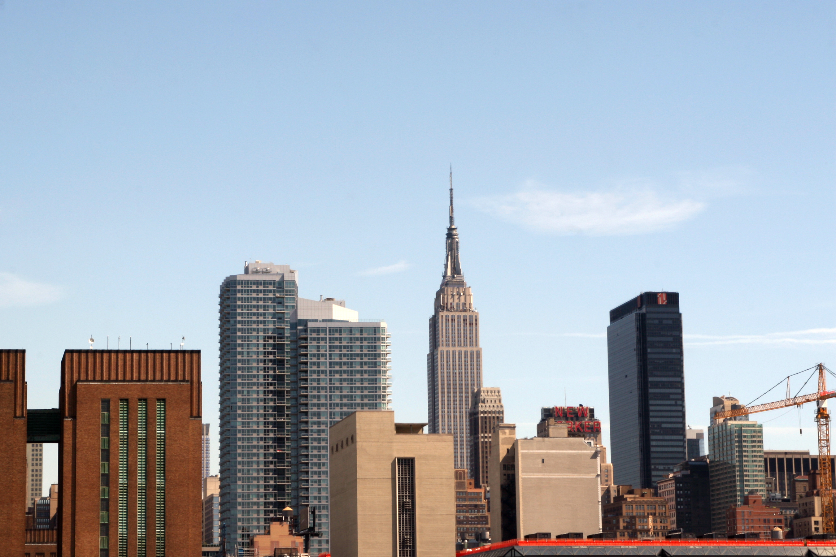 Description new york city skyline with empire state building 1