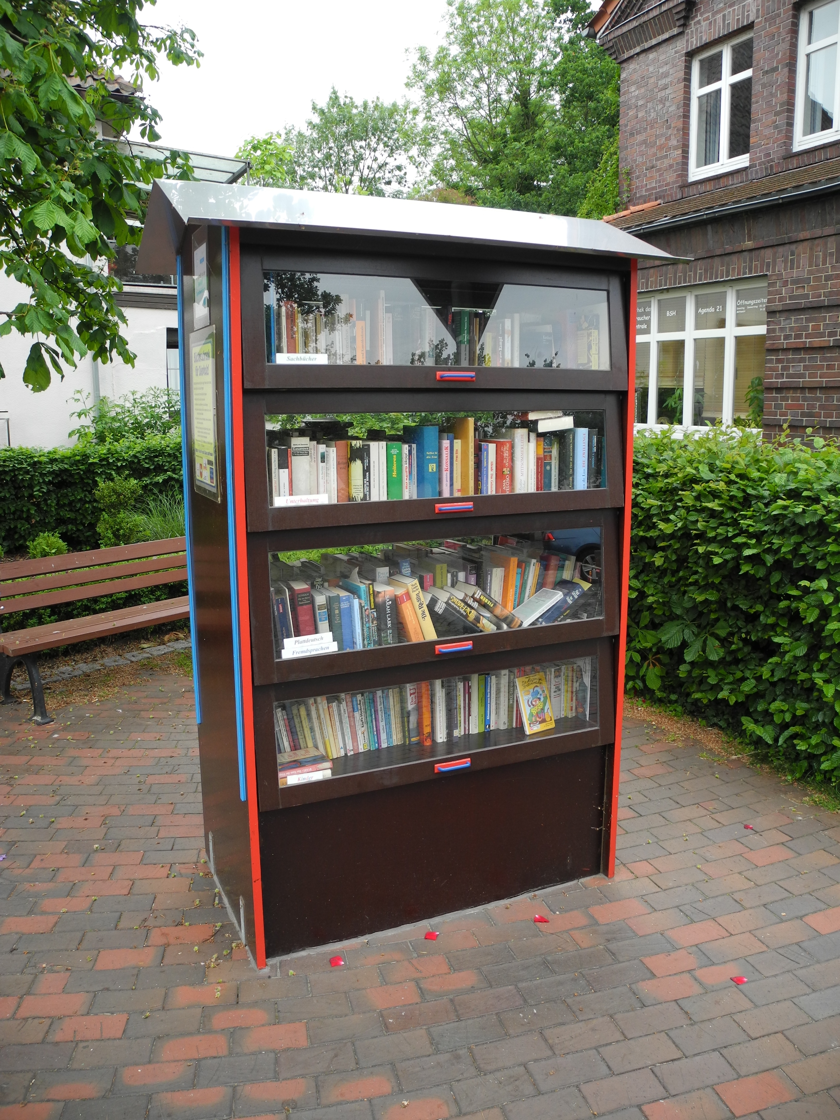 Datei:Offener Bücherschrank Diepholz.jpg – Wikipedia