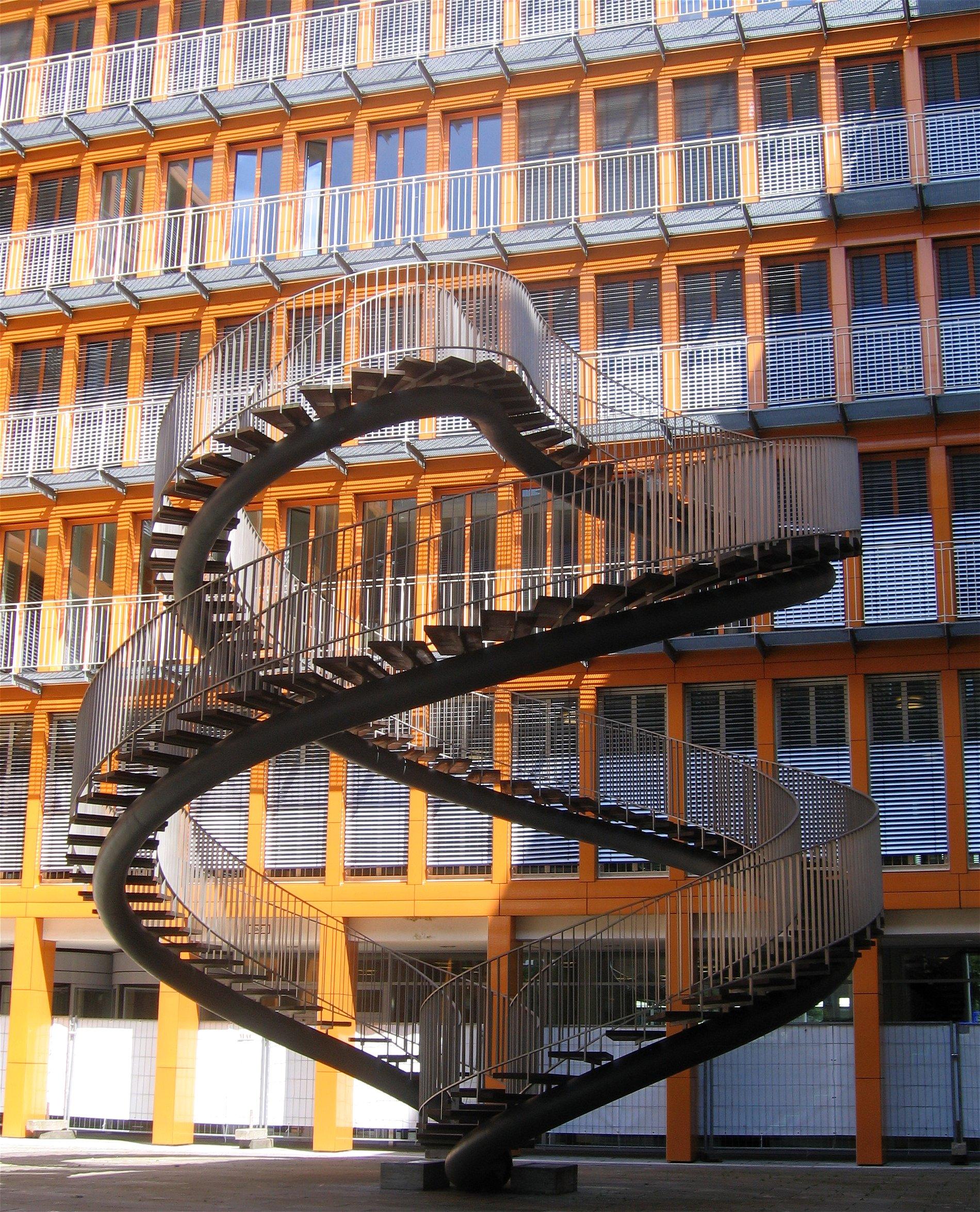 Treppen München file olafur eliasson umschreibung endlose treppe 2004 kpmg zentrale