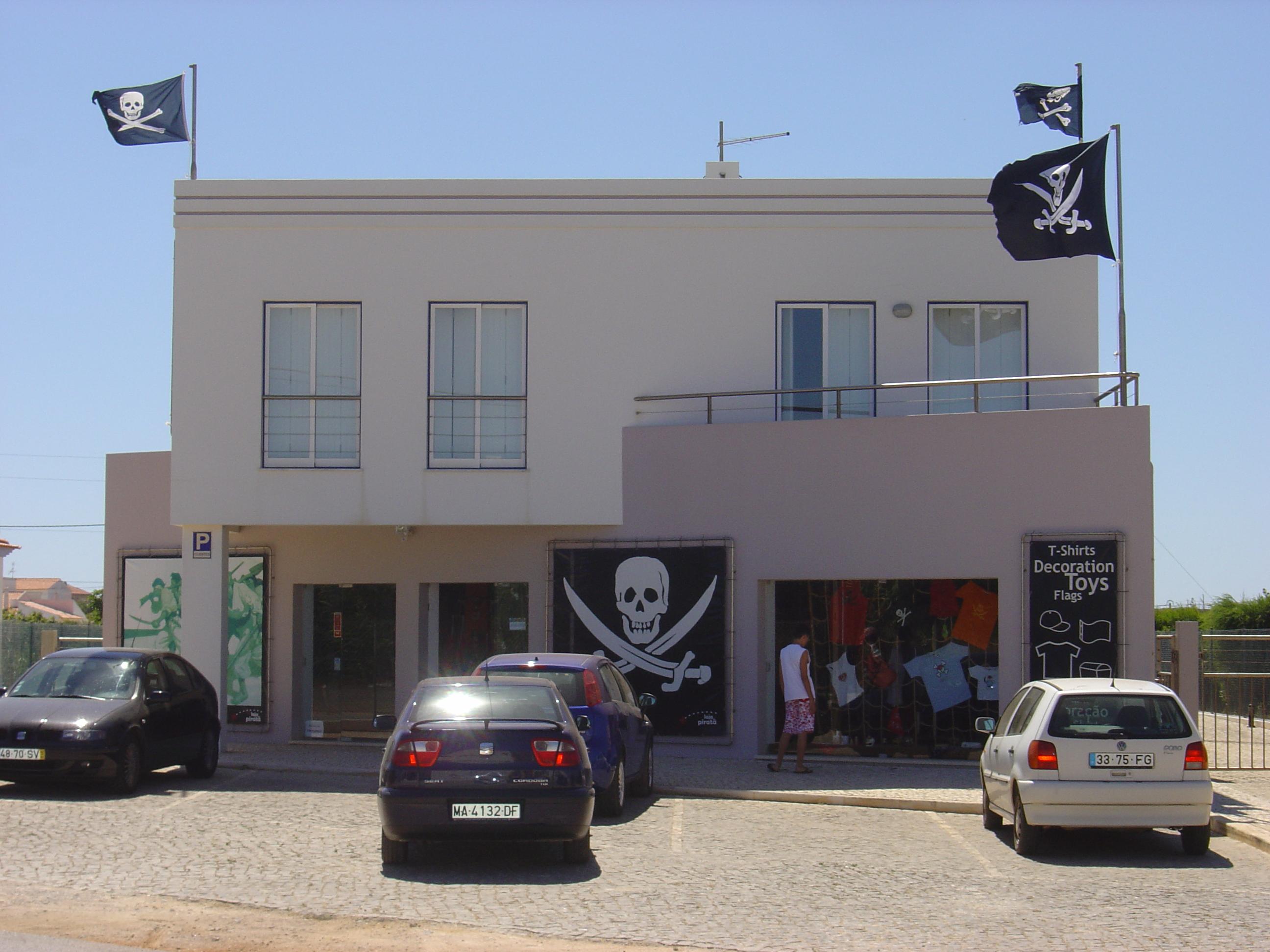 File:Pirate store JPG - Wikimedia Commons