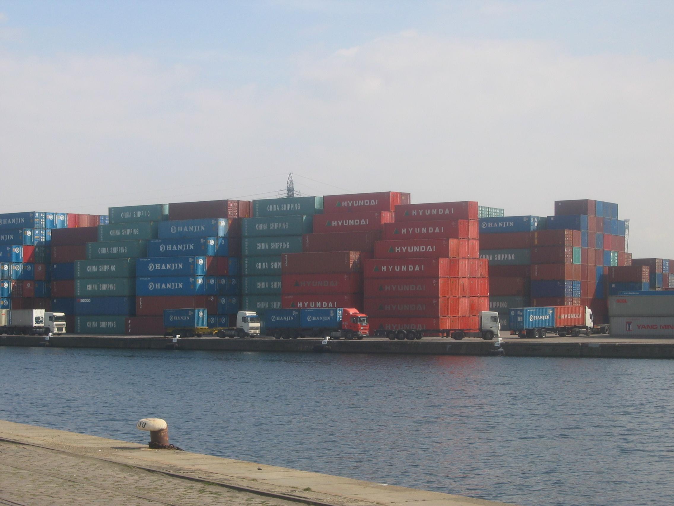 major ports of the world port of le havre france. Black Bedroom Furniture Sets. Home Design Ideas