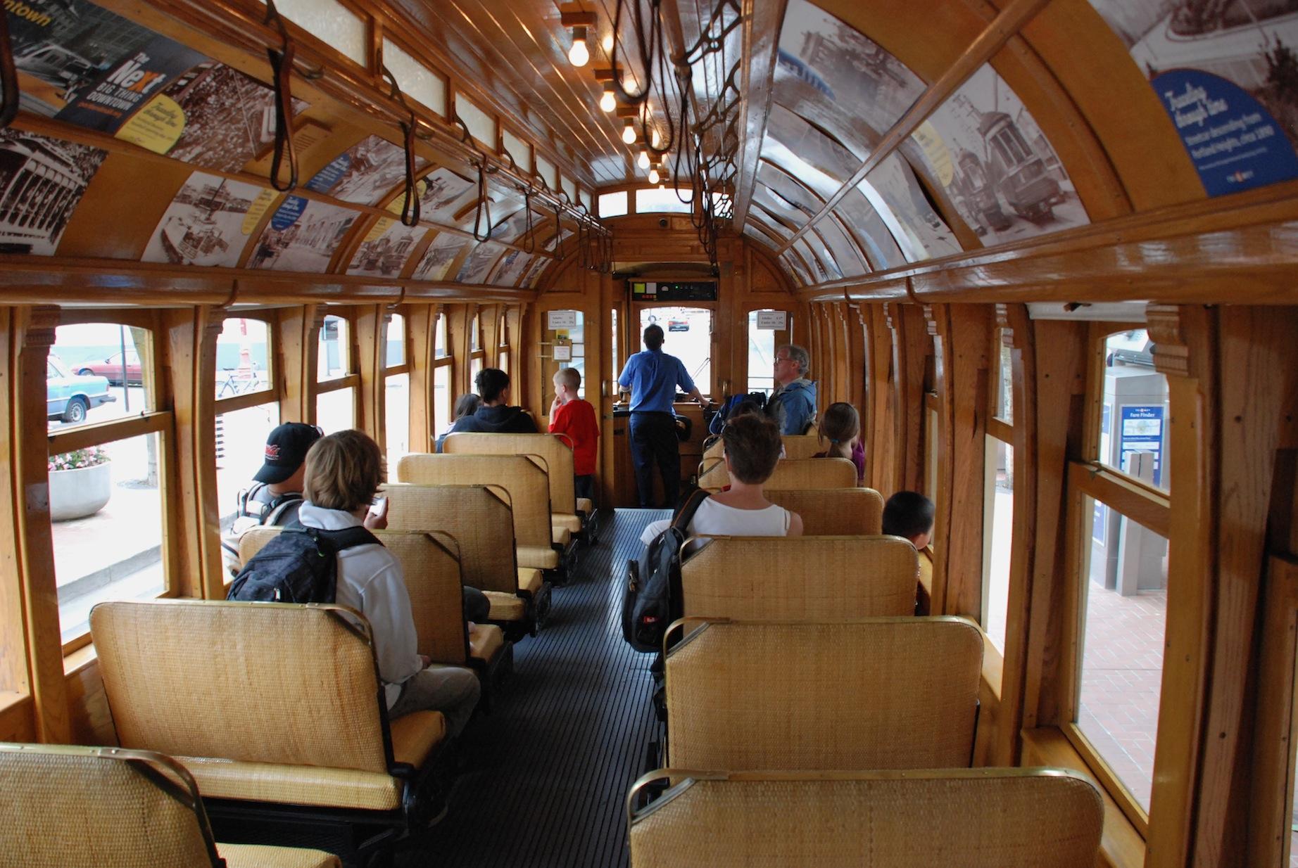 file portland vintage trolley wikimedia commons. Black Bedroom Furniture Sets. Home Design Ideas