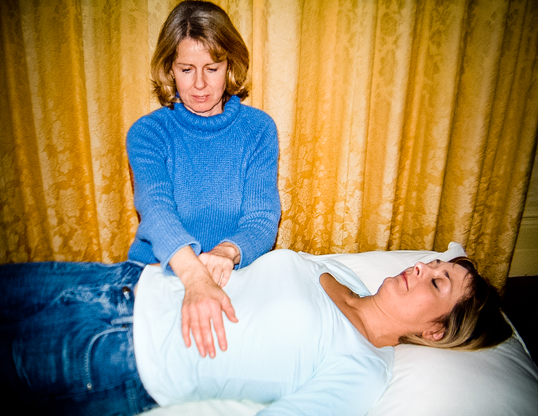 Bestand:Reiki-Treatment.jpg