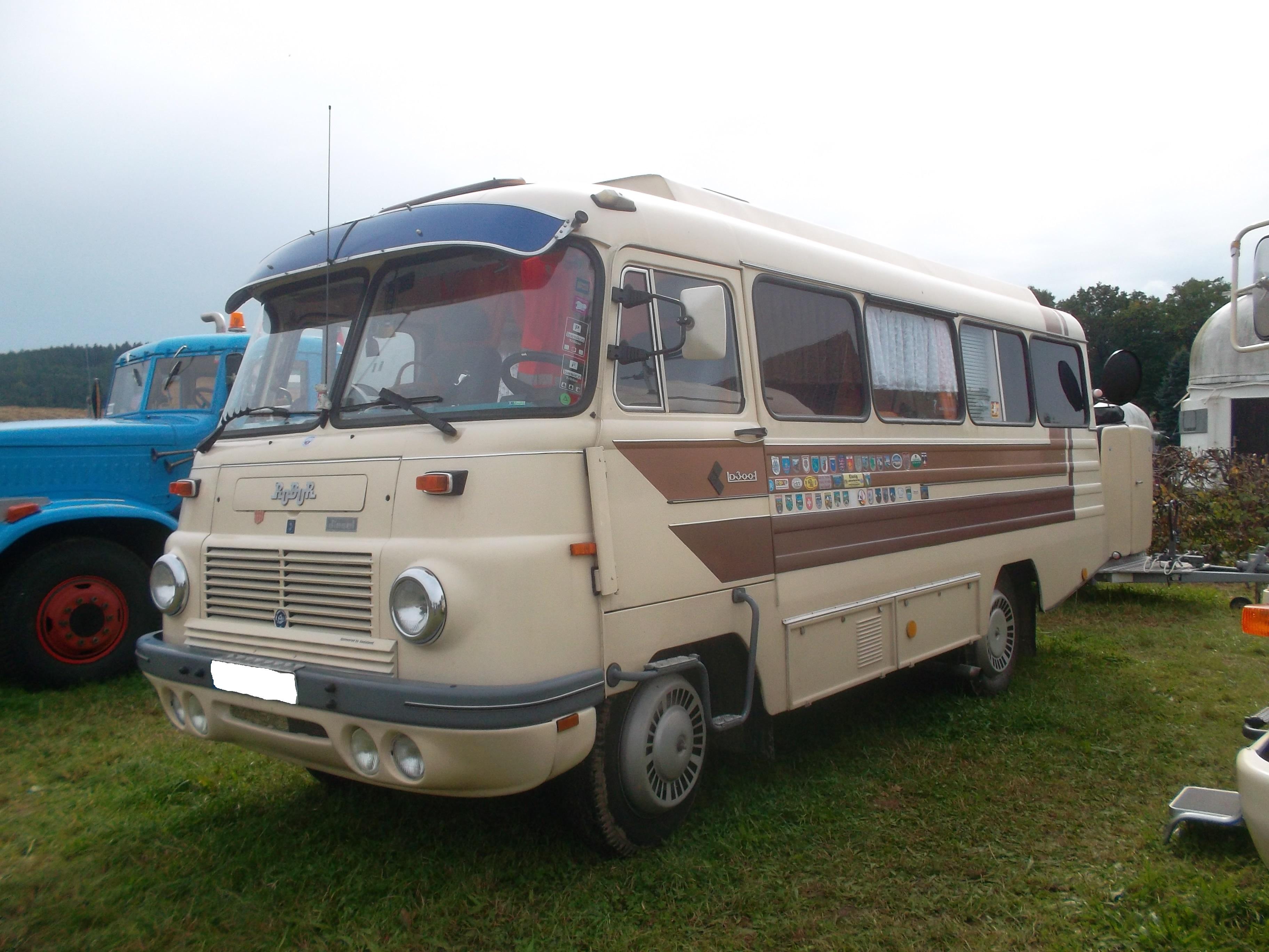 File:Robur LO 10 B 10 Wohnmobilbus (side) (10).jpg - Wikimedia