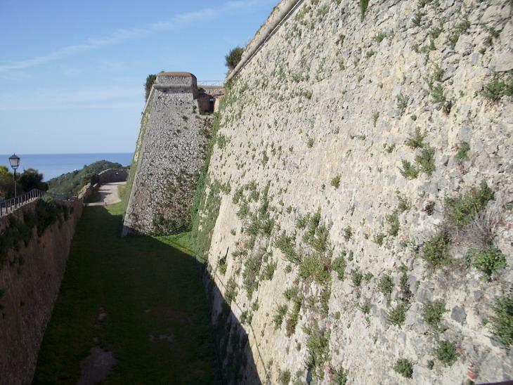 Porto Ercole, Rocca aldobrandesca, bastione ovest